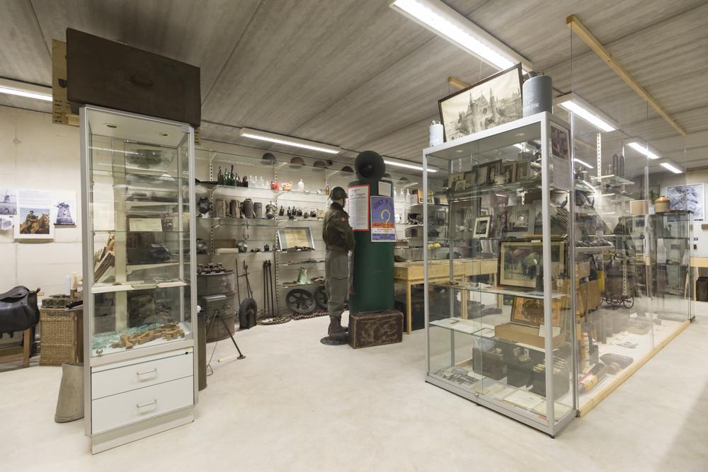 Museum Van Postzegel tot Tank