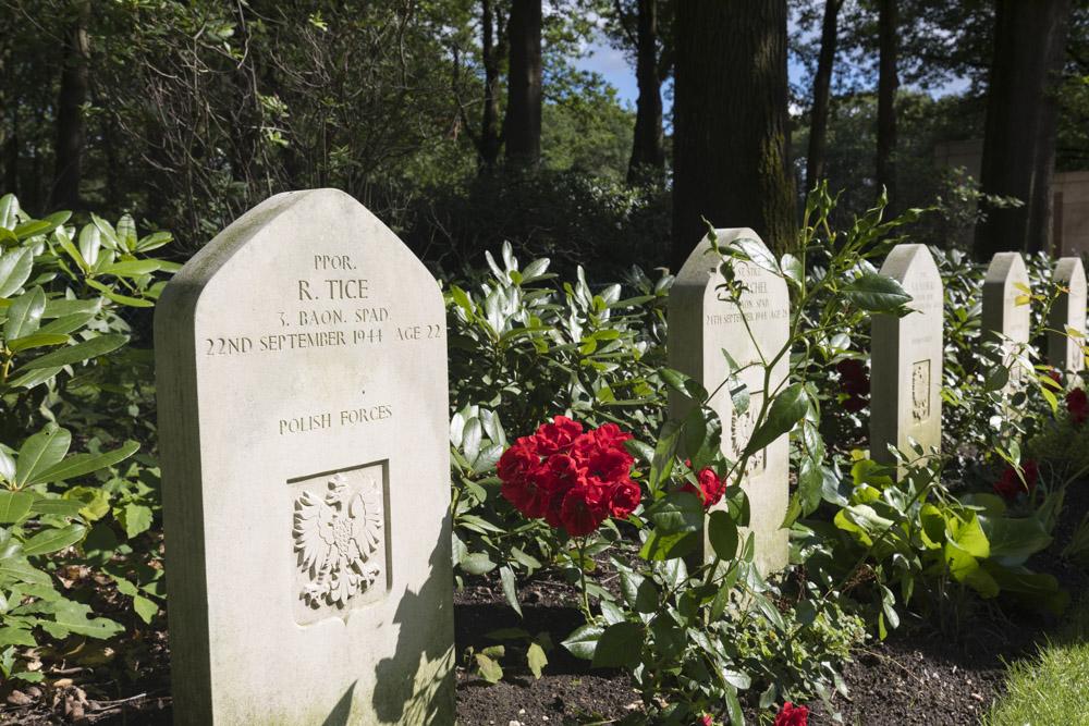 American War Grave Oosterbeek War Cemetery