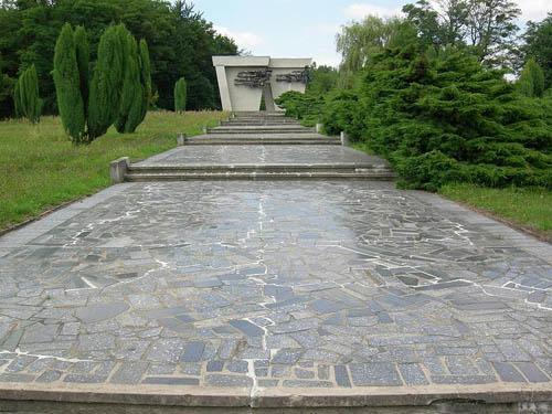 Kampbegraafplaats Lambinowice