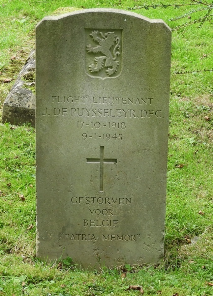 Belgian War Grave St. Birinus Roman Catholic Churchyard
