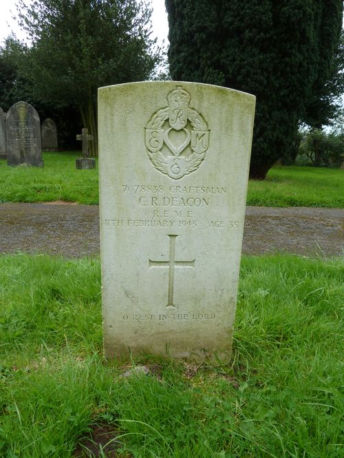 Commonwealth War Grave St. Leonard Church Cemetery