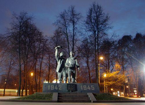 Monument Normandie-Niemen Regiment Moscow