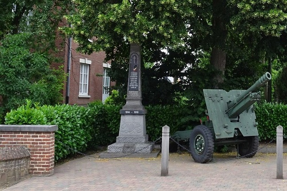 War Memorial Kortenaken & 105mm 1942 Gun