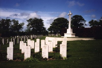Commonwealth War Graves Bear Road Cemetery