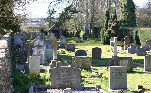Commonwealth War Graves Bledington Cemetery