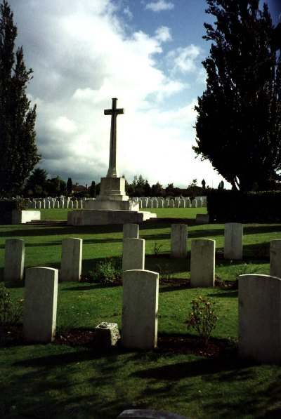 Commonwealth War Graves Haycombe Cemetery