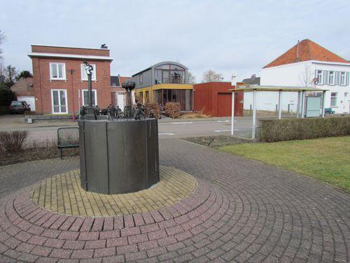 Beeldhouwwerk Polenplein Ruiselede