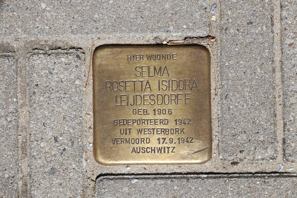 Stolperstein Doctor Wiardi Beckmanlaan 42-64