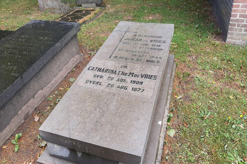 Nederlands Oorlogsgraf Rooms Katholieke Begraafplaats