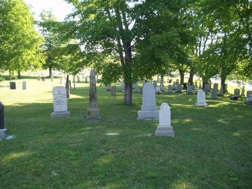 Commonwealth War Graves St. Benoit Roman Catholic Cemetery