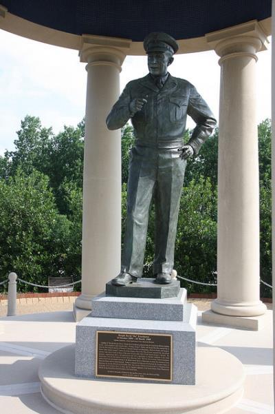 Eisenhower Statue