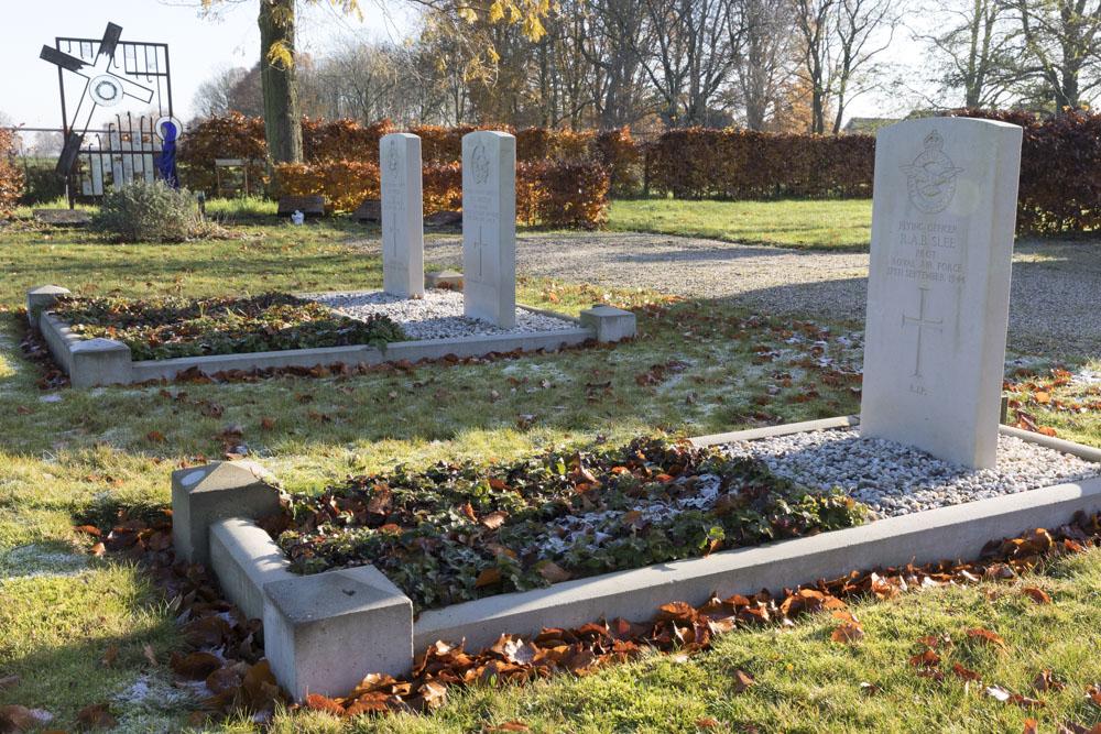 Oorlogsgraven van het Gemenebest Protestantse Begraafplaats Zeddam