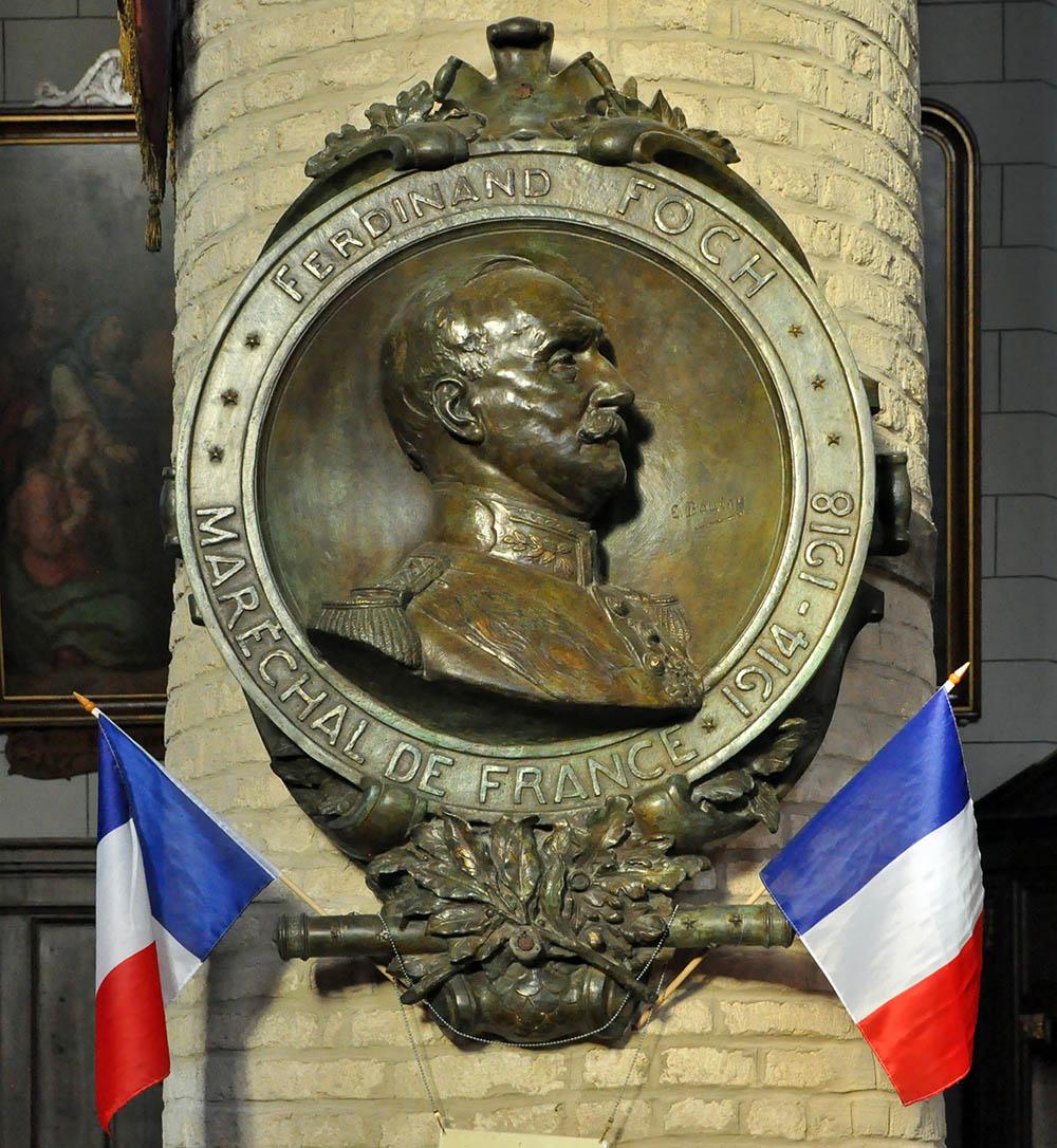 Plaquette Maarschalk Foch Collégiale Notre-Dame à Cassel