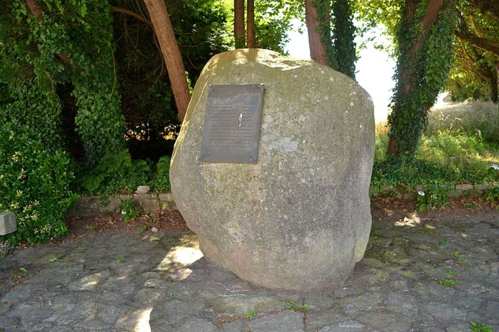 Remembrance Stone Guidel