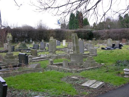 Commonwealth War Graves Whitkirk Cemetery