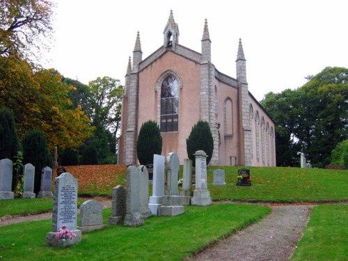 Commonwealth War Graves Drumoak New Parish Churchyard