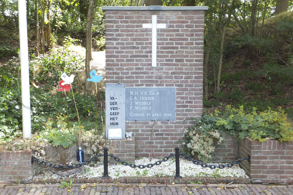 Memorial Execution 27 April 1945