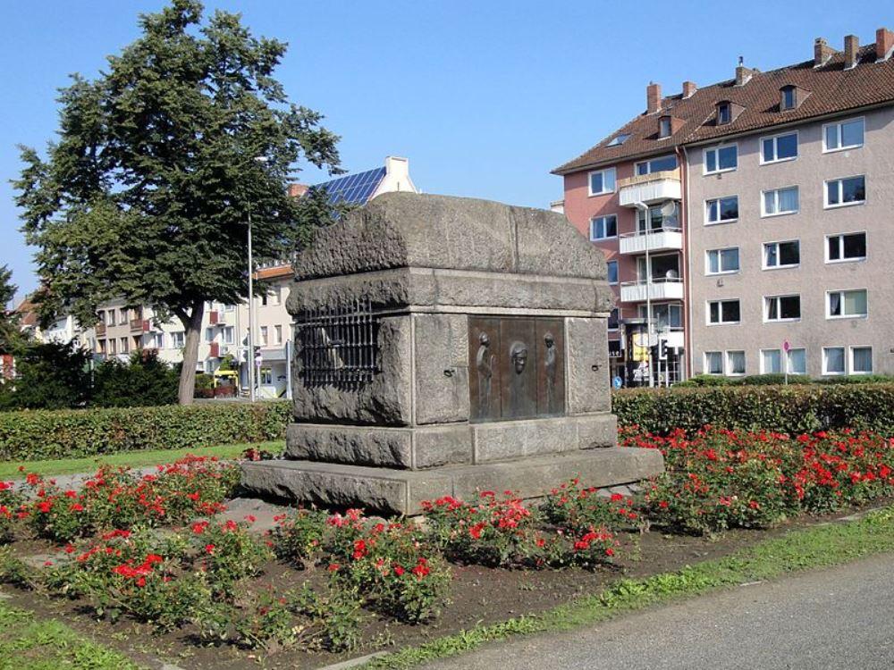 Oorlogsmonument en Restant Monument Keizer Wilhelm I