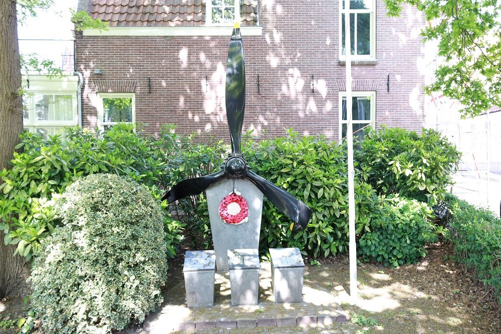 Memorial Crashes Monnickendam