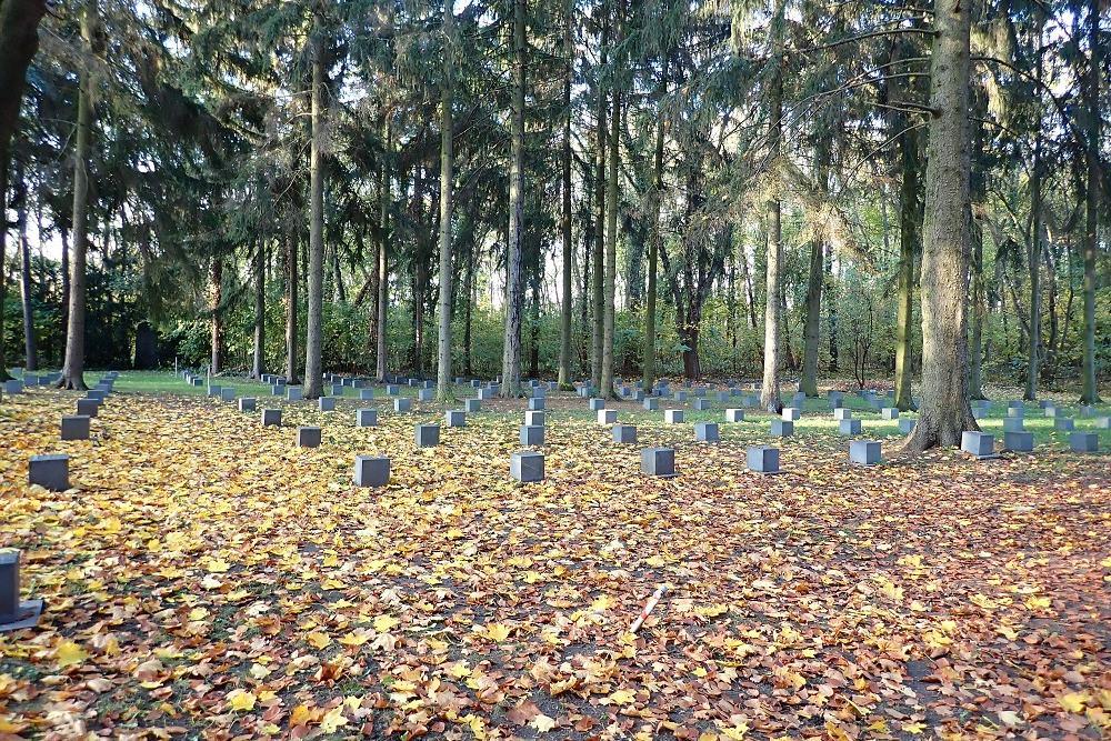 Soviet War Graves St. Hedwig - St. Pius (Berlin)