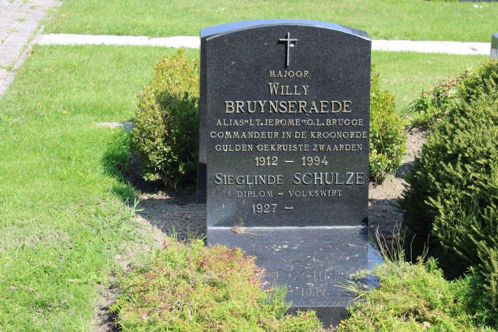 Veteran War Graves Central Cemetery Knokke-Heist