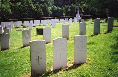 Commonwealth War Graves St. Michael Churchyard