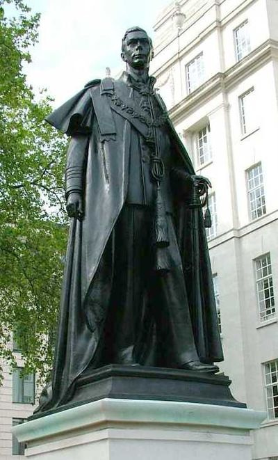 Statue George VI London