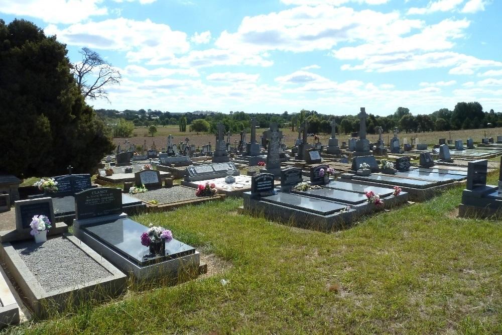 Oorlogsgraven van het Gemenebest Gunning Roman Catholic Cemetery