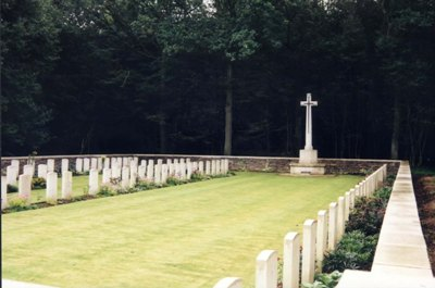 Commonwealth War Cemetery Nieppe-Bois