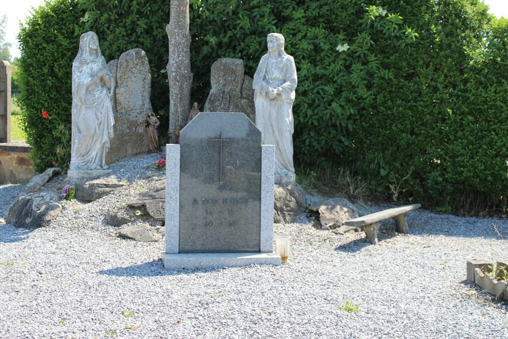 War Memorial Cemetery Waret-l'Évêque