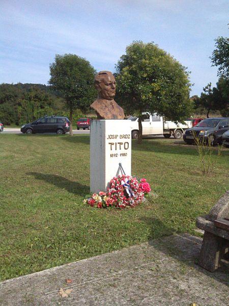 Bust Josip Broz Tito