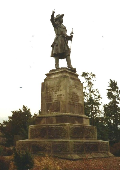 War Memorial The Cameronians (Scottish Rifles)