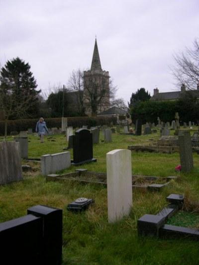 Oorlogsgraven van het Gemenebest St. Ricarius Churchyard and Extension