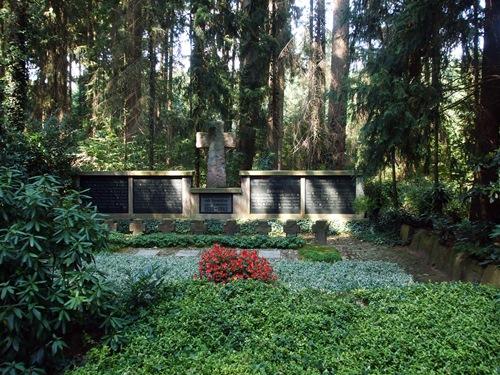 Begraafplaats Oorlogslachtoffers Eggermühlen