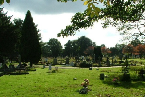 Commonwealth War Graves Loughton Burial Ground