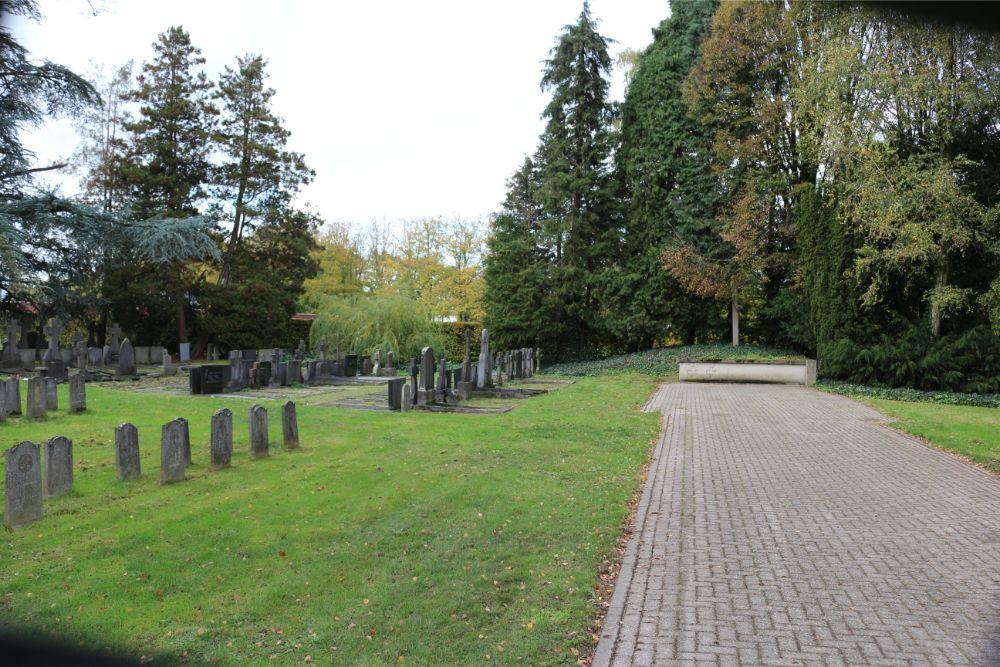 Dutch War Graves Cemetery Voorburg Vught