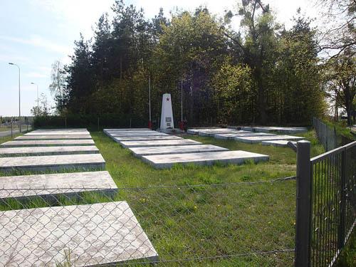 Sovjet Oorlogsbegraafplaats Pienki