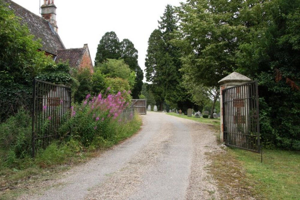 Commonwealth War Graves Fairmile Cemetery