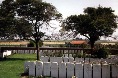 Commonwealth War Graves Beuvry Extension