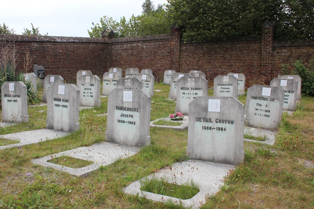 Veteran War Graves Blanmont