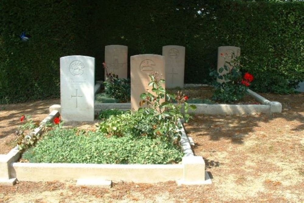 Oorlogsgraven van het Gemenebest Couturelle