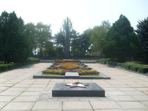 Soviet War Cemetery Bender