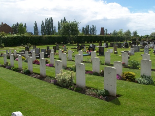 Commonwealth War Graves Woodhouse Cemetery