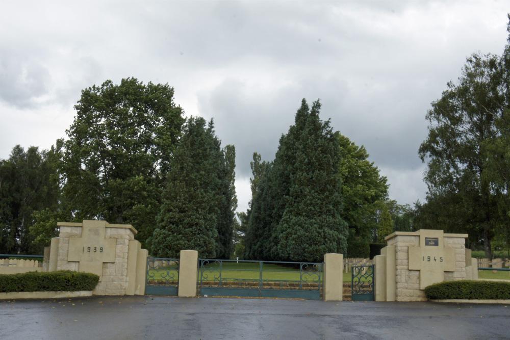 Franse Oorlogsbegraafplaats Floing