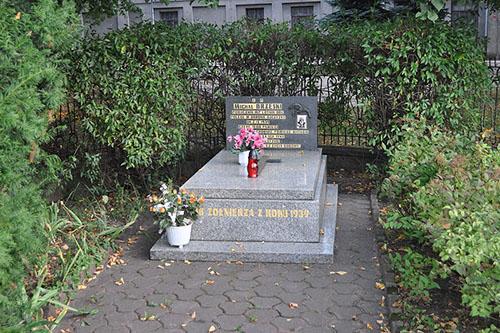 Grave Polish Pilot