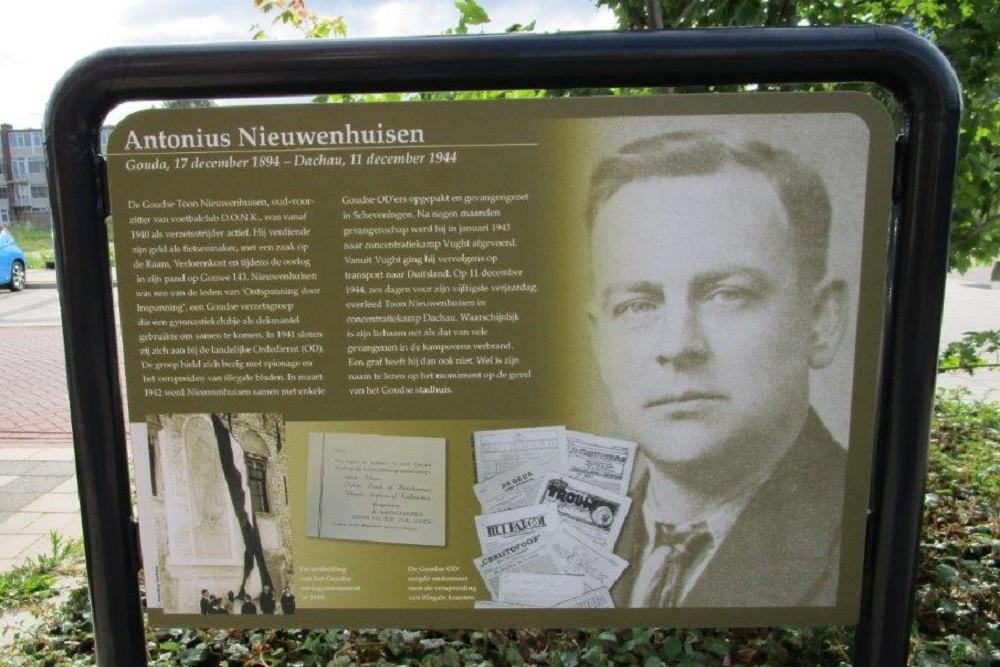 Information Panel Resistance Fighter Antonius Nieuwenhuisen