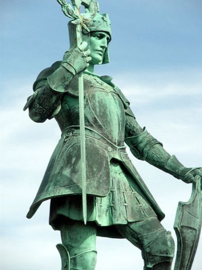 War Memorial Pearl Assurance
