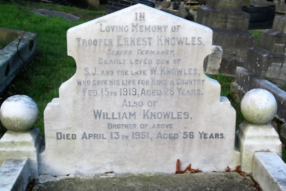 Oorlogsgraven van het Gemenebest St. John Churchyard