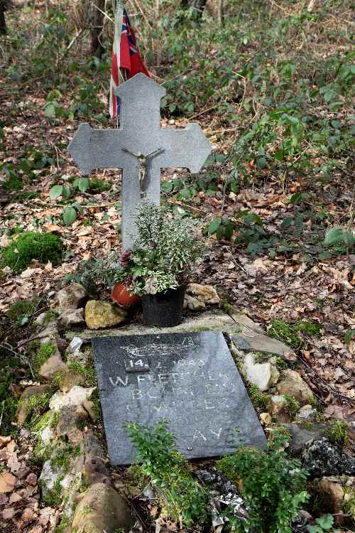 Memorial Halifax DT694