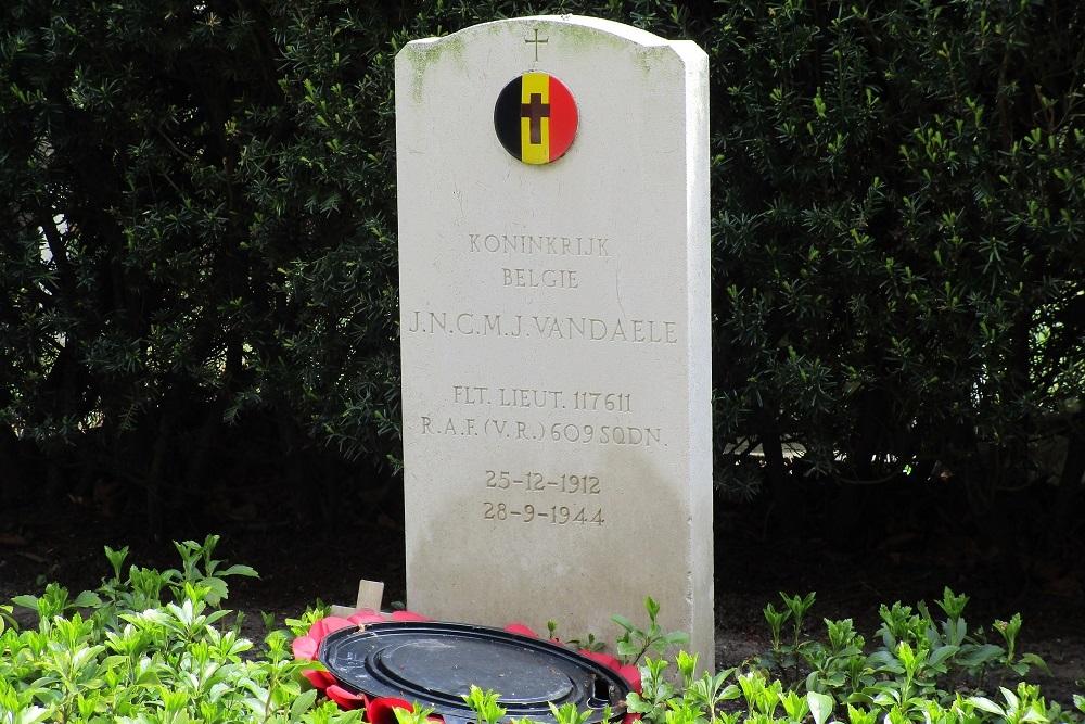 Belgisch Oorlogsgraf Algemene Begraafplaats Alblasserdam